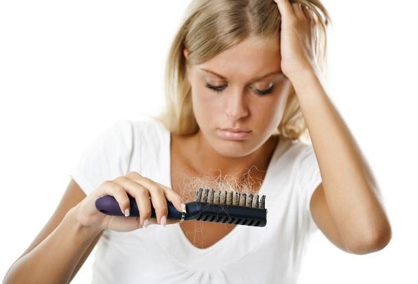 Выпадение волос - нормальный процесс организма