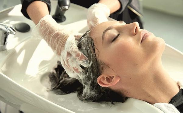 Используйте и необычные рецепты для восстановления волос