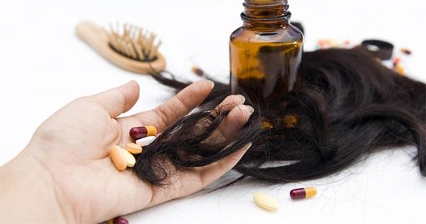 Какие витамины принимать при выпадении волос?