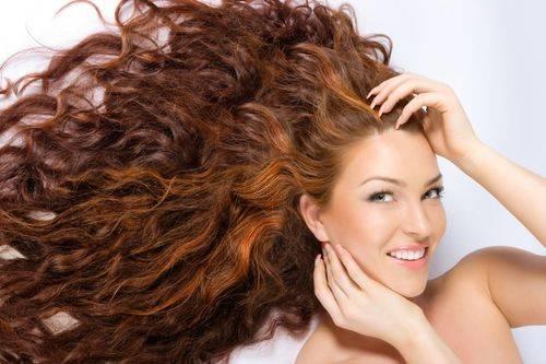 Состав масла защищает волосы от пересыхания