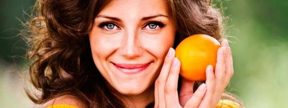 Эфирное масло апельсина помогает устранить перхоть