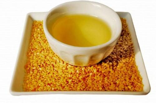 Кунжутное масло способствует очищению пор