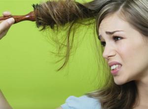 Волосы ослаблены и тусклы? Настойка прополиса отлично справляется с этой проблемой