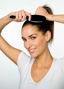 Повреждения стержней волос могут быть спровоцированы тугим хвостом