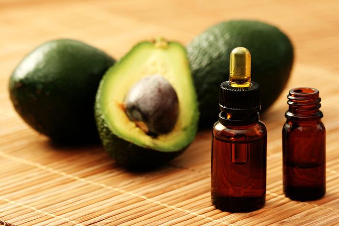 Очень полезно обертывание для волос с маслом авокадо