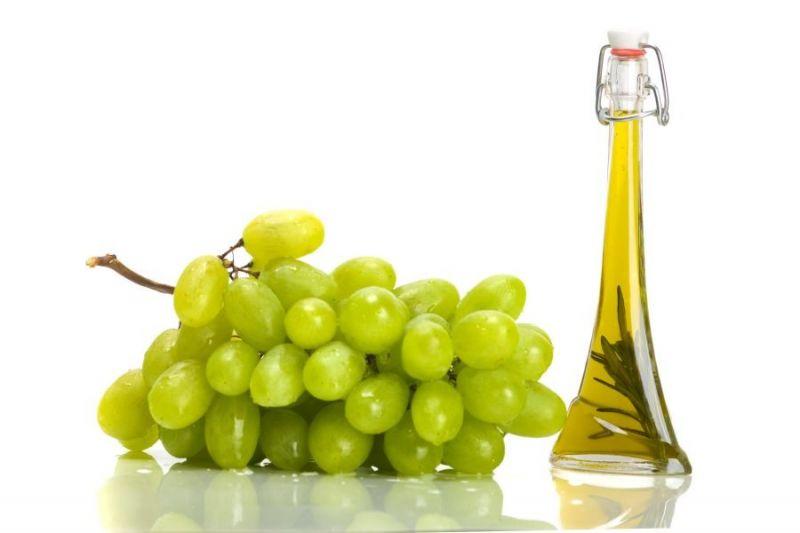 Виноградное масло укрепляет волосяные луковицы