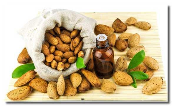В миндальном масле очень много полезных веществ и витаминов