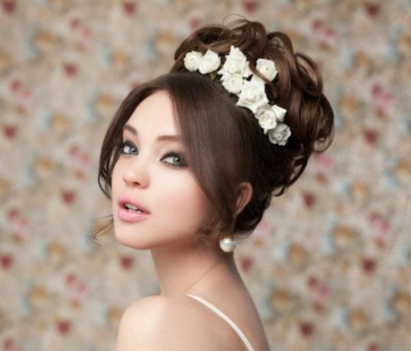 Причёска на свадьбу на среднюю длину волос