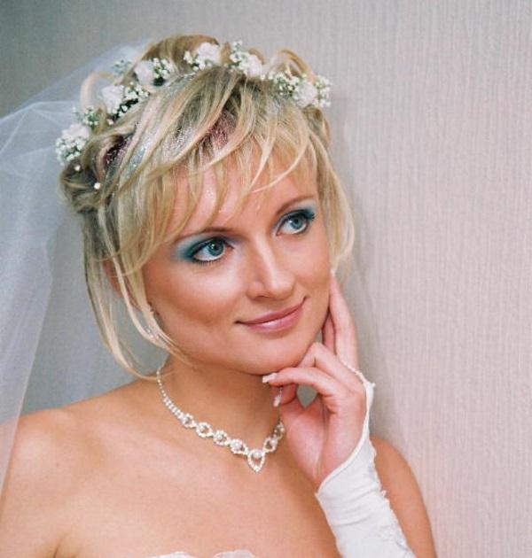 Свадебные прически на боб каре с челкой фото